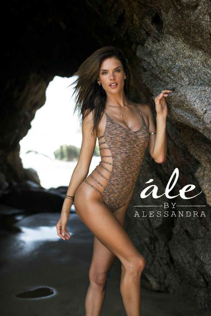 alessandra-ambrosio-alessandra-swimwear-2014_3