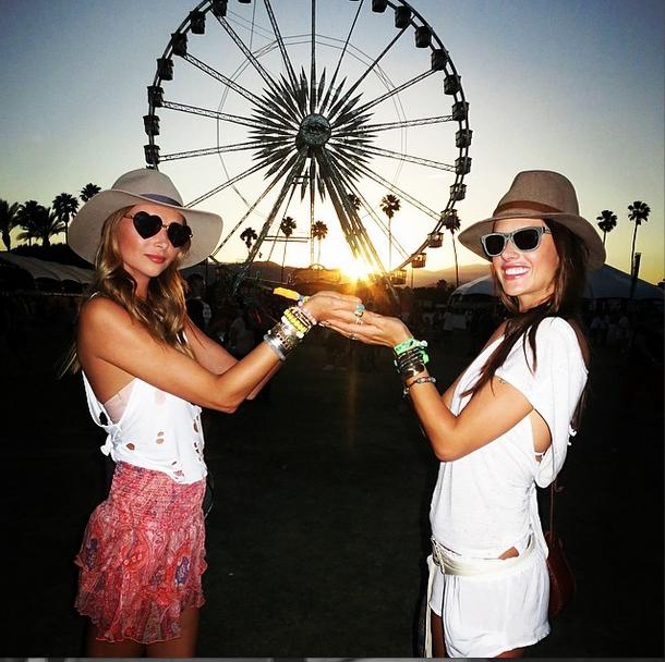 alessandra-ambrosio-ludi-delfino-Coachella-ferris-wheel