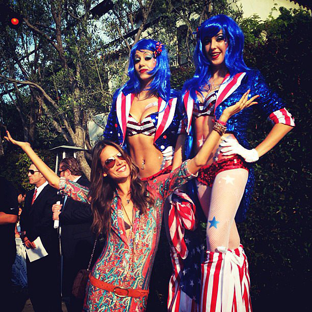 Alessandra-Ambrosio-partied-Fourth-of-July-parade