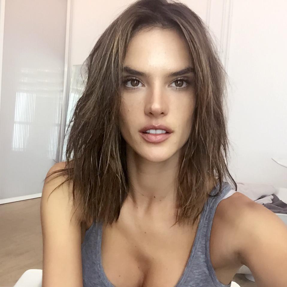 alessandra-ambrosio-new-haircut-sexiest-lob-02